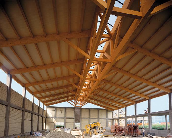I cinque vantaggi di una copertura in legno lamellare for Inquadratura del tetto del padiglione