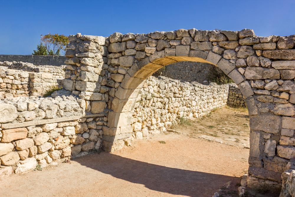 Una rovina in una vecchia città dei romani